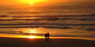 walk_shore