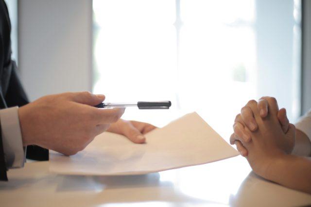 未経験の20代フリーター必見◇正社員・契約社員に就職する2つの方法